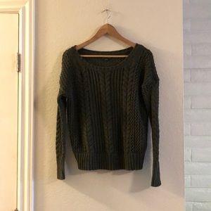 American Eagle hunter green sweater